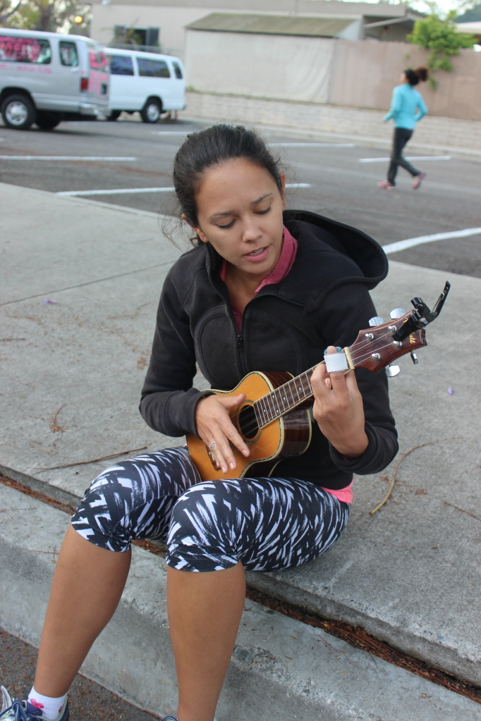 Danie and I passed the time jamming on the uke.